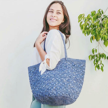 Lotus Big Raffia tote bag