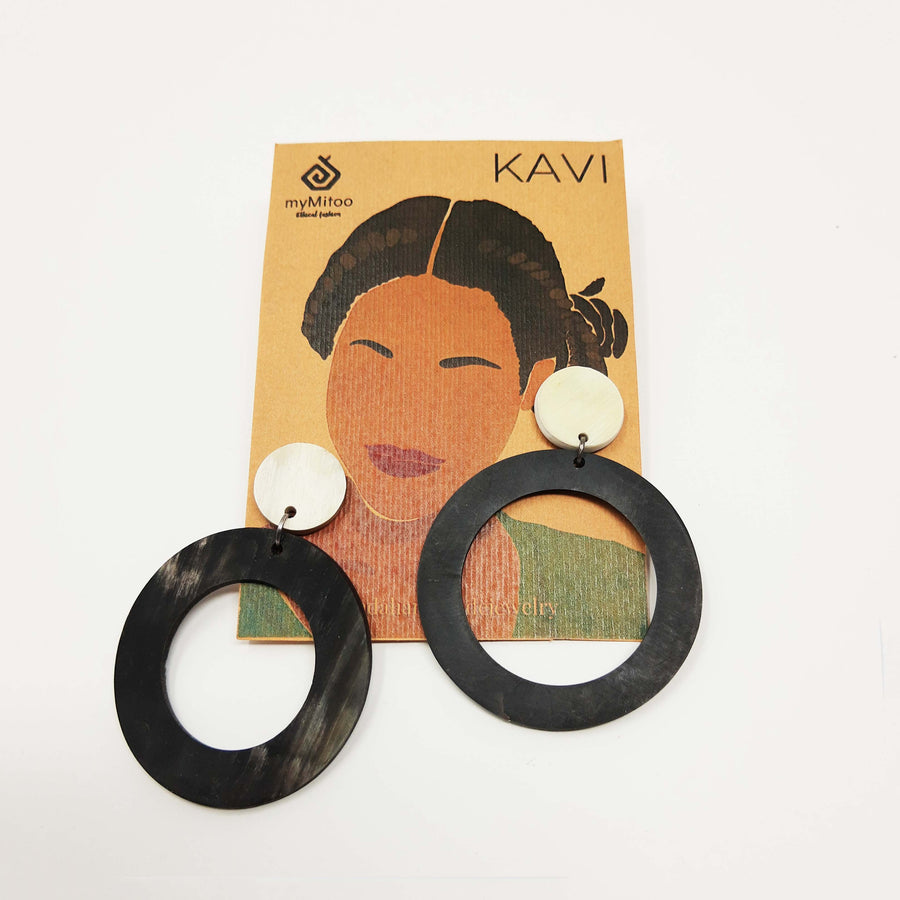 Round Statement earring  upcycled zebu horn in the color black