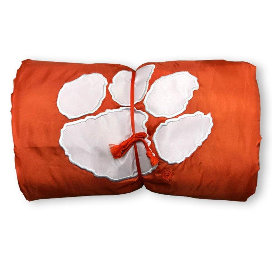 Gameday Wearable Blanket With White Paw - Mr. Knickerbocker