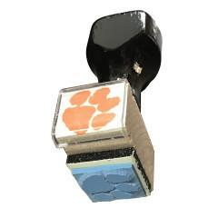 Uninked - Rubber Stamp Tiger Paw - Mr. Knickerbocker