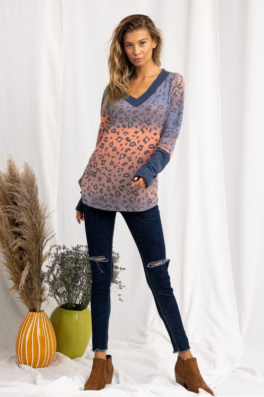 LAST CALL SIZE L | Long Sleeve V-Neck Top in Leopard Print