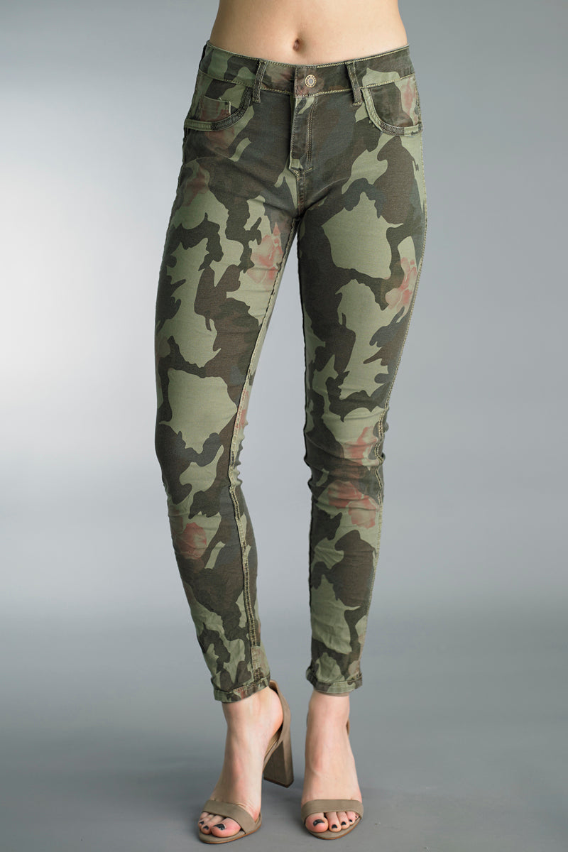 Reversible Camo Print / Olive Jeans