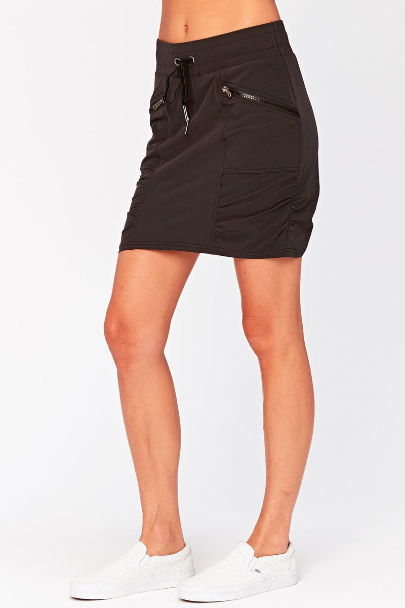 LAST CALL SIZE M | 4-Way Stretch Skirt in Black