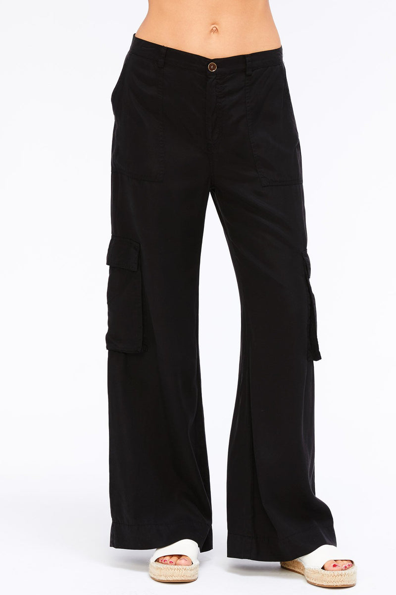 Wide Leg Twill Cargo Pants in Black