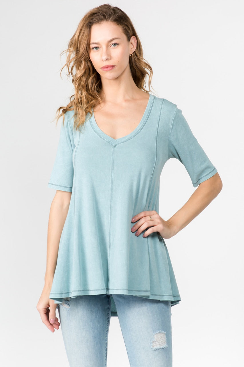 LAST CALL SIZE M | V-Neck Tunic Top with Contrast Thread in Aqua