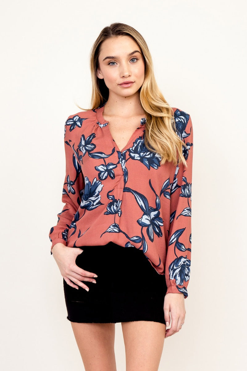 LAST CALL SIZE L | Button Front Floral Top
