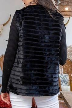 Luxe Black Fur Vest with Oversized Leopard Print Collar Back