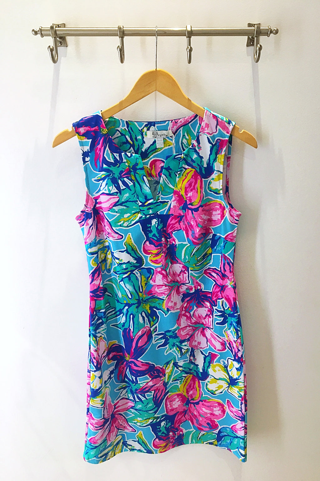 LAST CALL SIZE XL | Floral Print Shift Dress with V-Neck