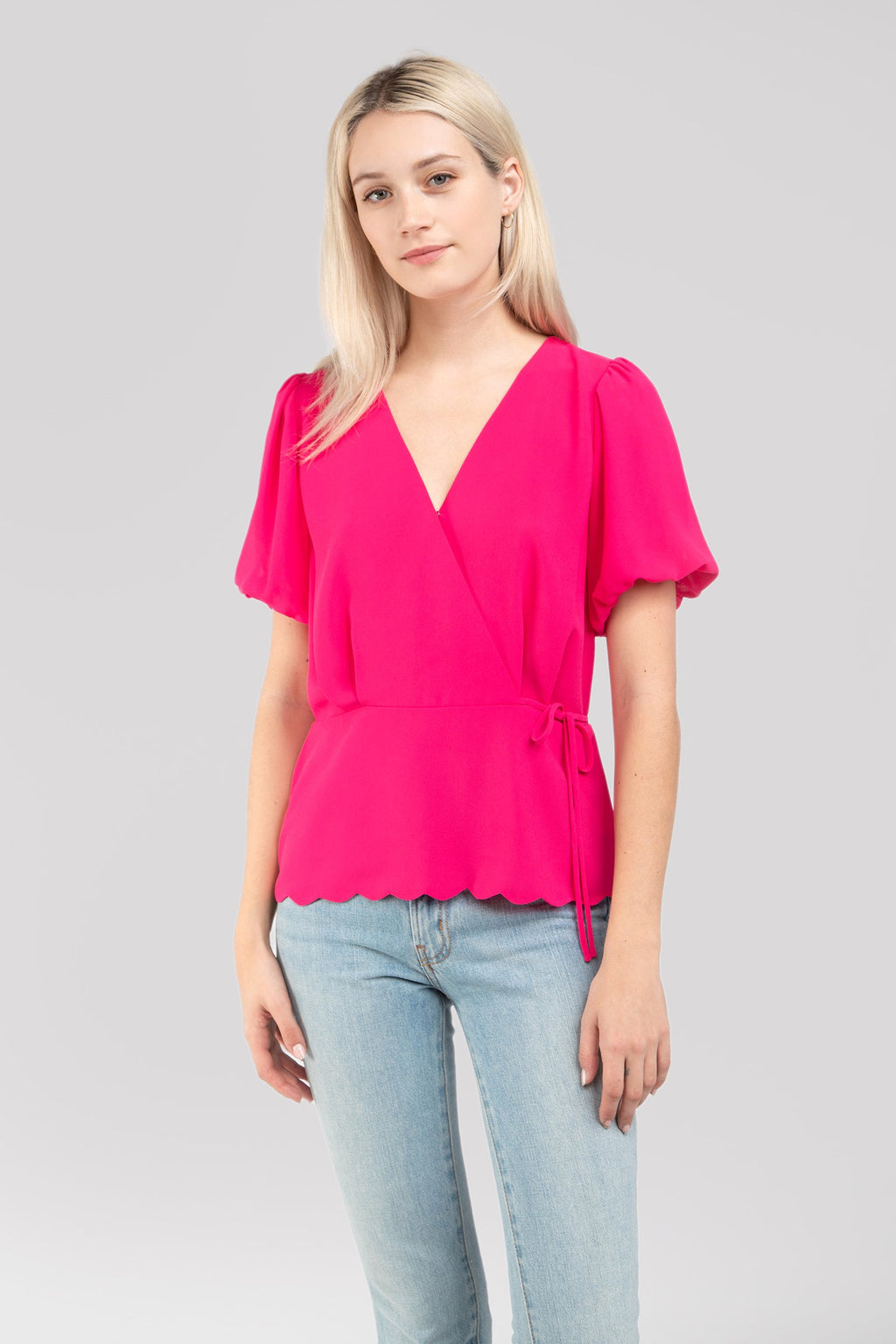 Short Sleeve Scalloped Hem Blouse in Hot Pink