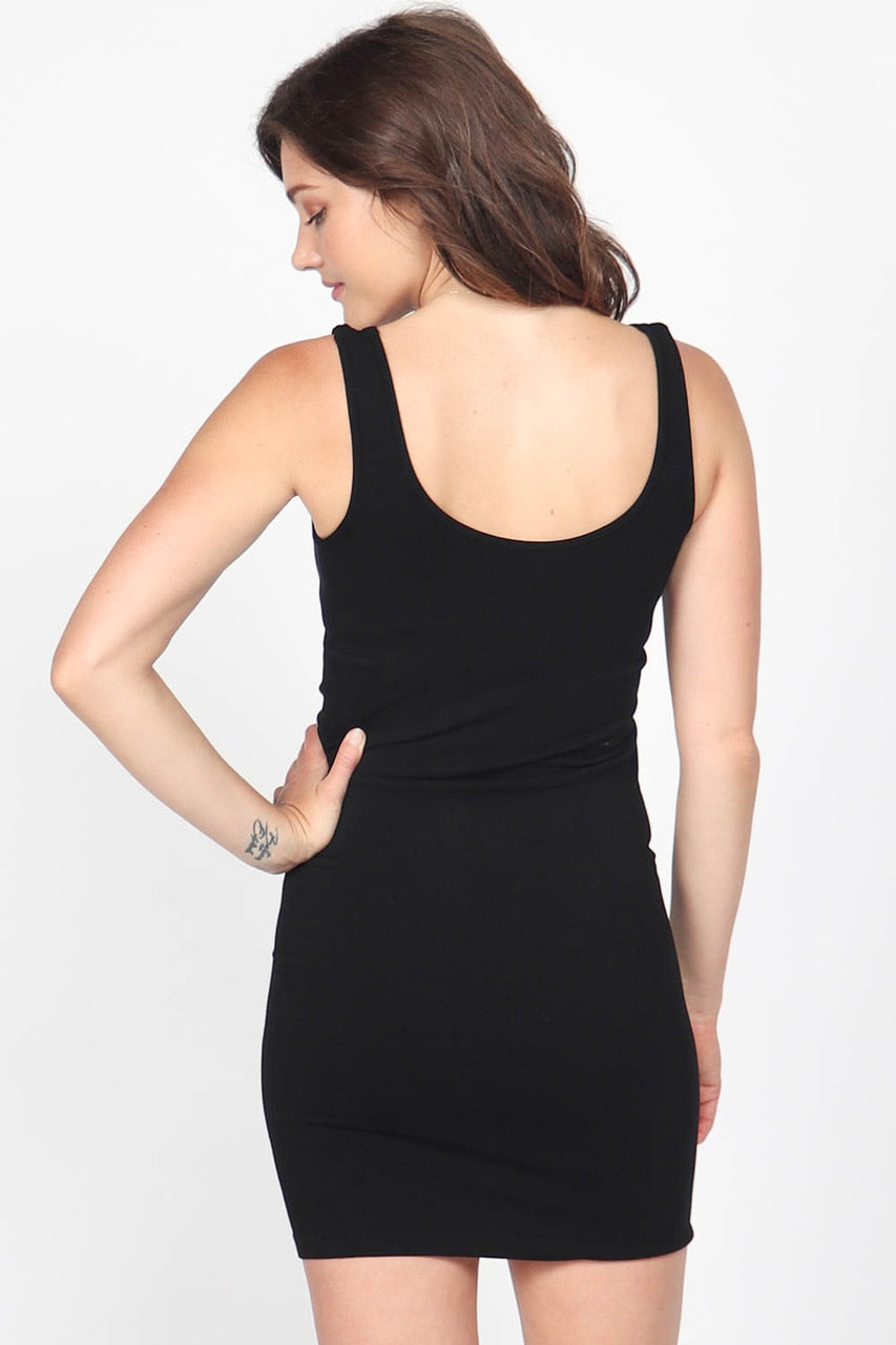 Sleeveless V-Neck/Scoop Neck Layering Dress in Black