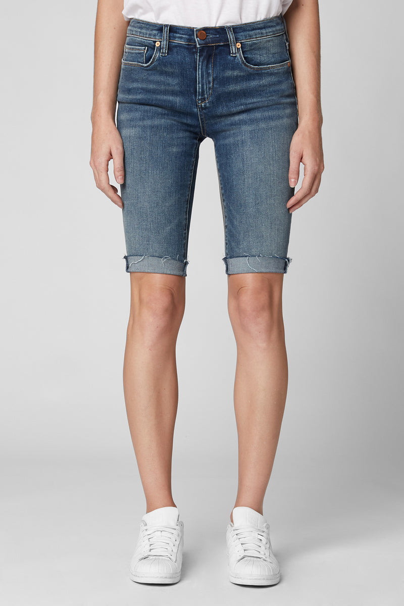 Skinny Midrise Bermuda Shorts in Medium Wash