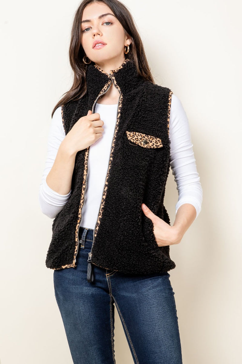 Sherpa Vest in Black