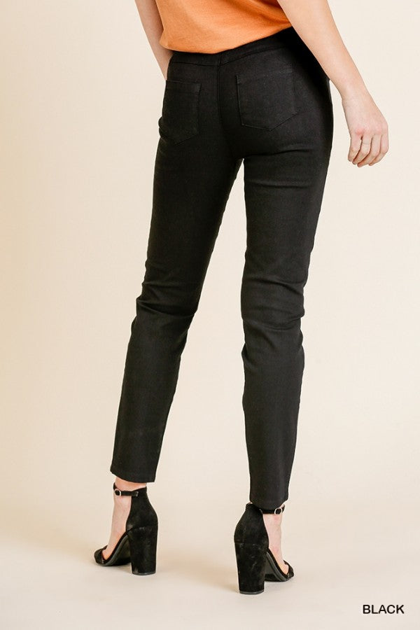 Ripped Frayed Skinny Leggings in Black