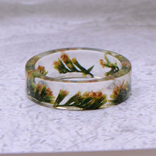 Load image into Gallery viewer, Dried Flower Epoxy Rings