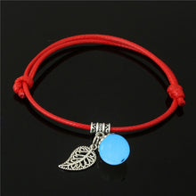 Load image into Gallery viewer, Simple Luminous Bead Leaf Pendant Bracelet