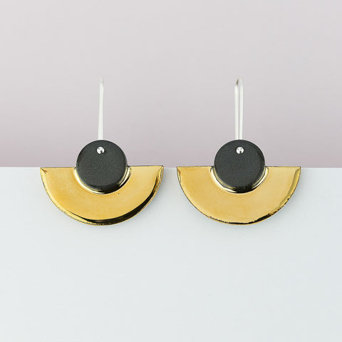 Crescent Earrings / Black