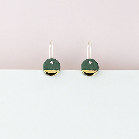 Spot Earrings / Green