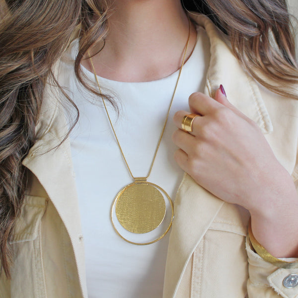 Dora Round Necklace / Gold