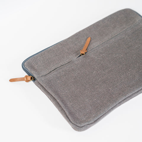 Laptop/iPad Pouch / Ash