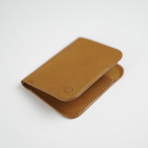 Upright Wallet / Tan