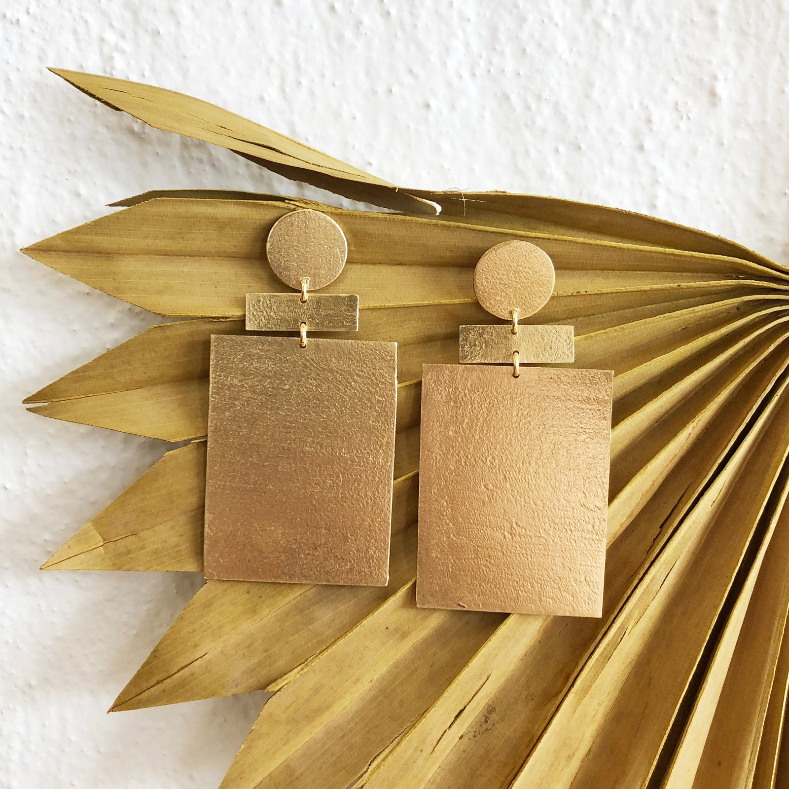 Zev Earrings / Gold