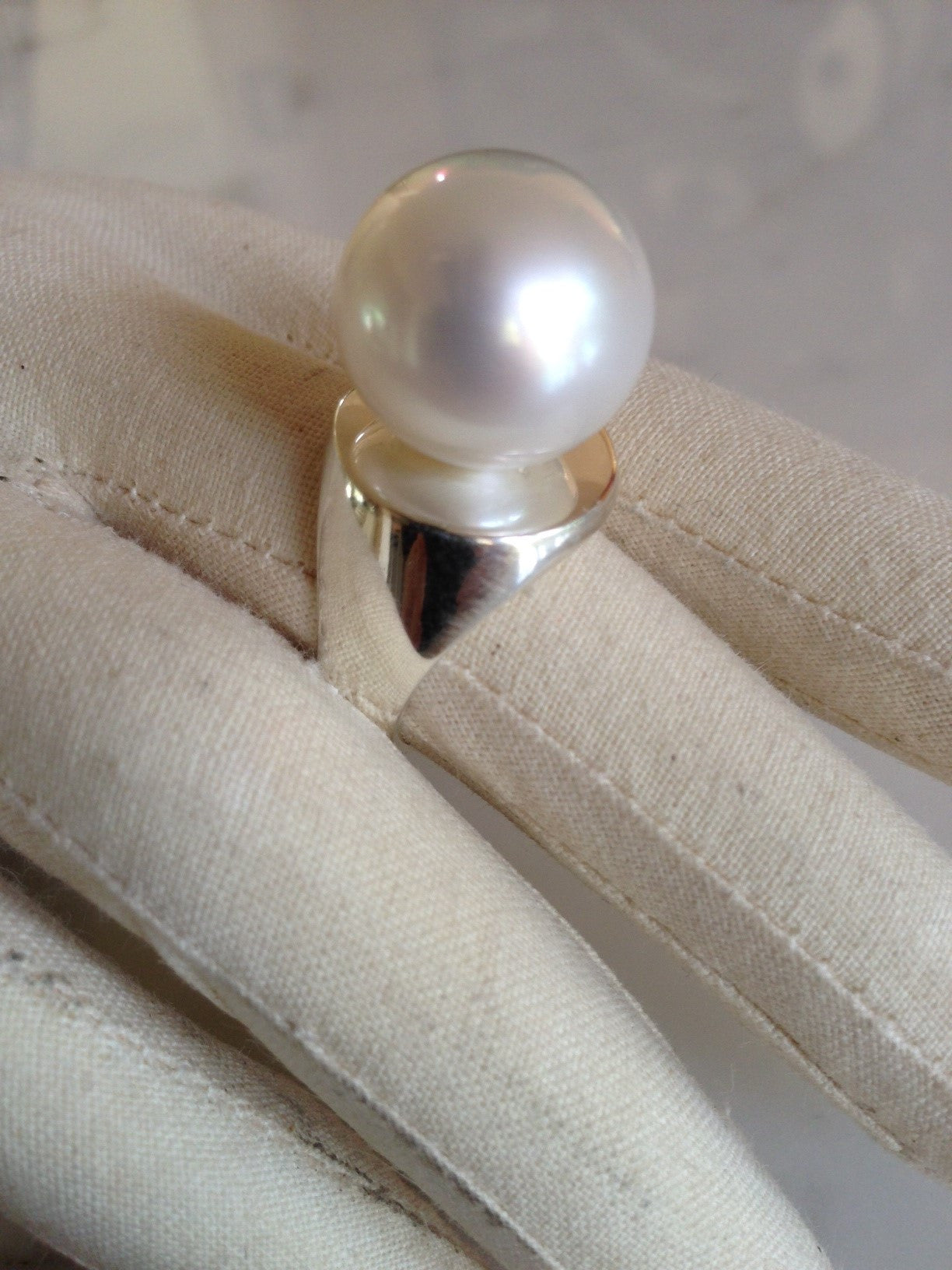 SINGLE SOUTH SEA POPPER RING