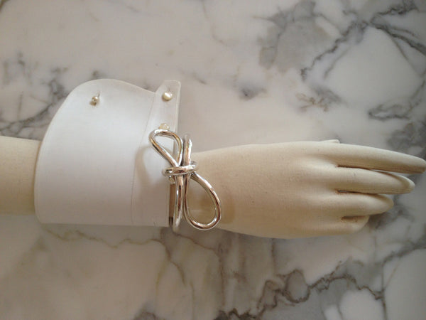 MODELER OVERSIZED BOW CUFF