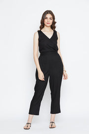 Find this trendy black jumpsuit at thesvaya