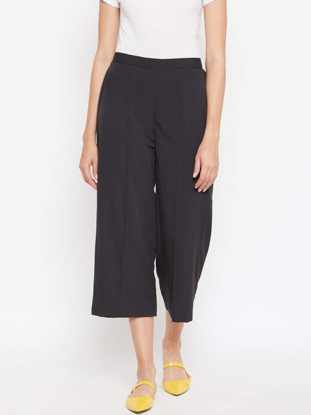 A single pin tucked detailing makes this black culotte for women all the more smart