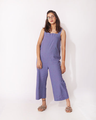 A relaxed fit jumpsuit to chill