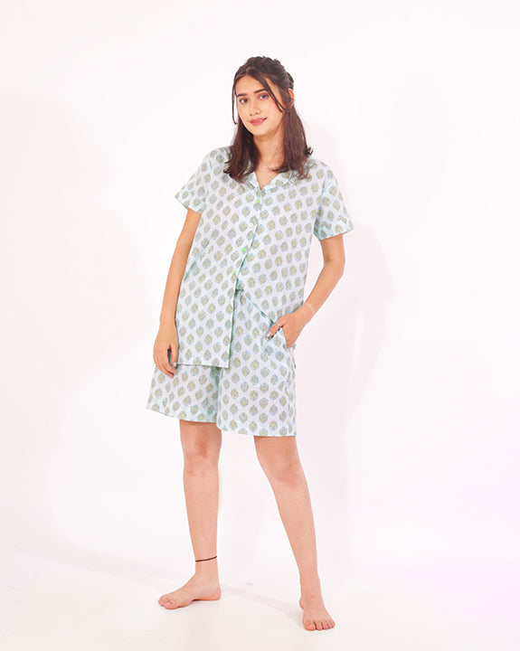 Tuck in the shirt/ let it loose - our mint nightsuit is sure to make you slay!
