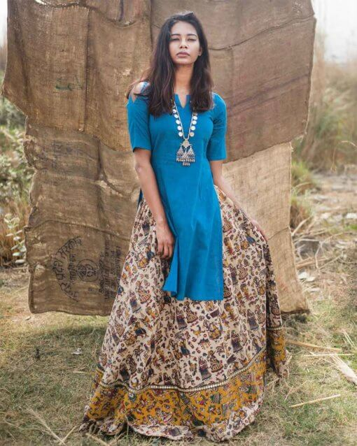 Step out for your next ethnic outfit with this Blue kurta set.