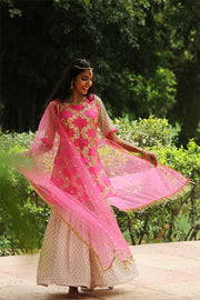 Wear this trendy Gharara set from thsvaya