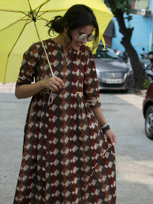 Abstract Brown Side Pleat Dress
