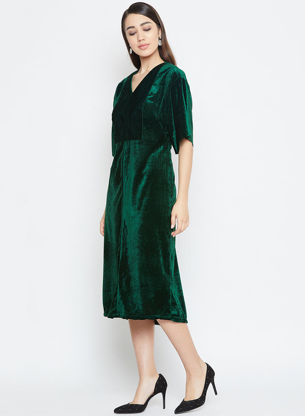 A lovely winter midi dress for women in velvet is here to steal the show