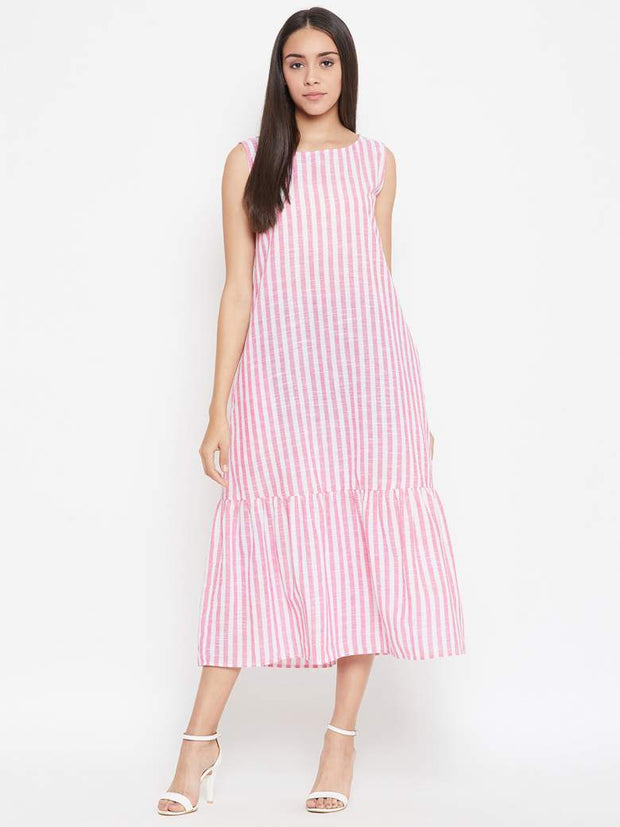 A long cotton slub maxi dress in pink verticalstripes.