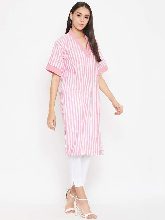 A loose fit cotton striped kurta in pastel pink.