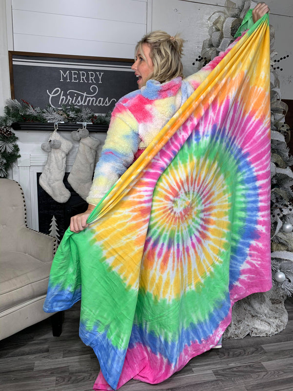 30 DAYS 30 DEALS: DAY 5: Tie Dye Blanket, CLOTHING, Exist Sport Line, BAD HABIT BOUTIQUE