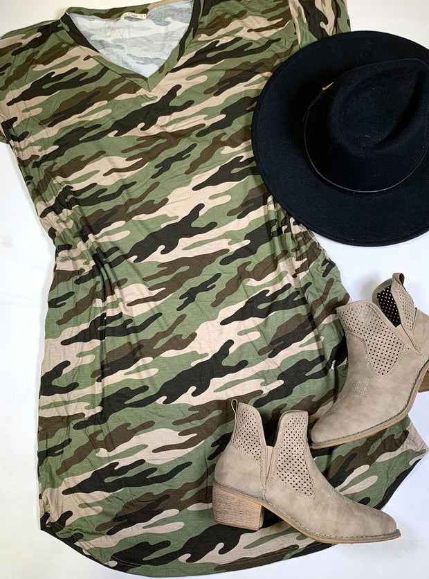 vneck short sleeve camo with pockets dress