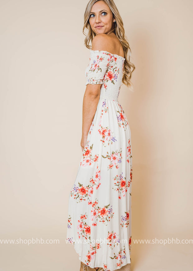 Why settle for less when you can go maxi? Shop women's maxi dresses at boohoo in all styles, and floral long dresses.