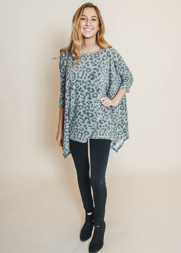 cheetah leopard boat neck sharkbite hem 3/4 sleeves grey taupe tunic plus curvy girl