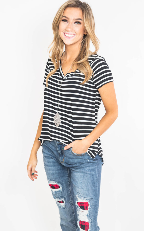 stripe short sleeve vneck top