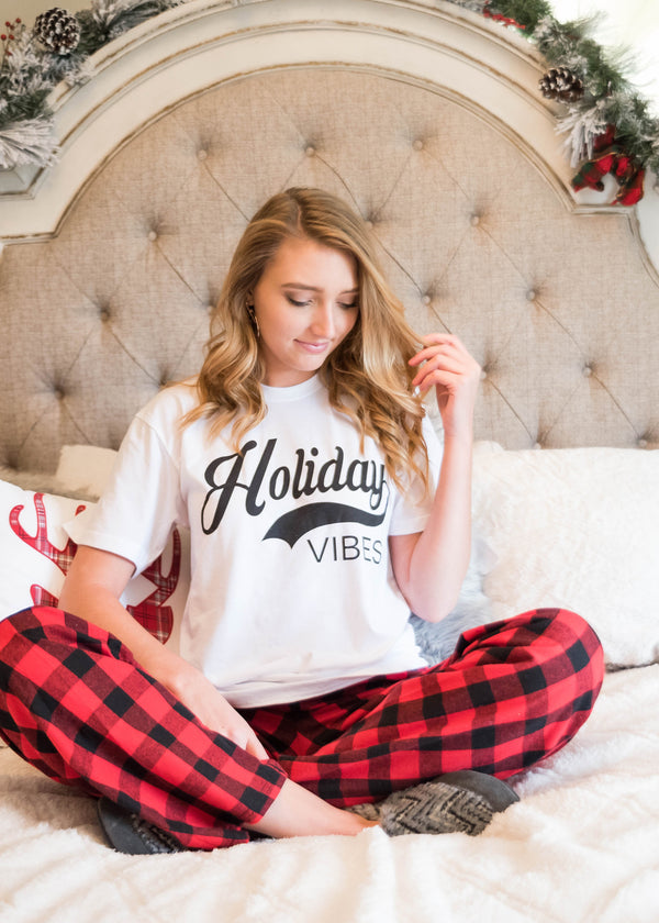 Holiday Vibes T-Shirt - BAD HABIT BOUTIQUE