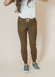 deep olive legging jogger with pockets