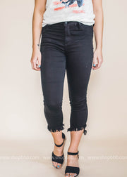 Midrise Black Crop Skinny with Fray Hem | FINAL SALE