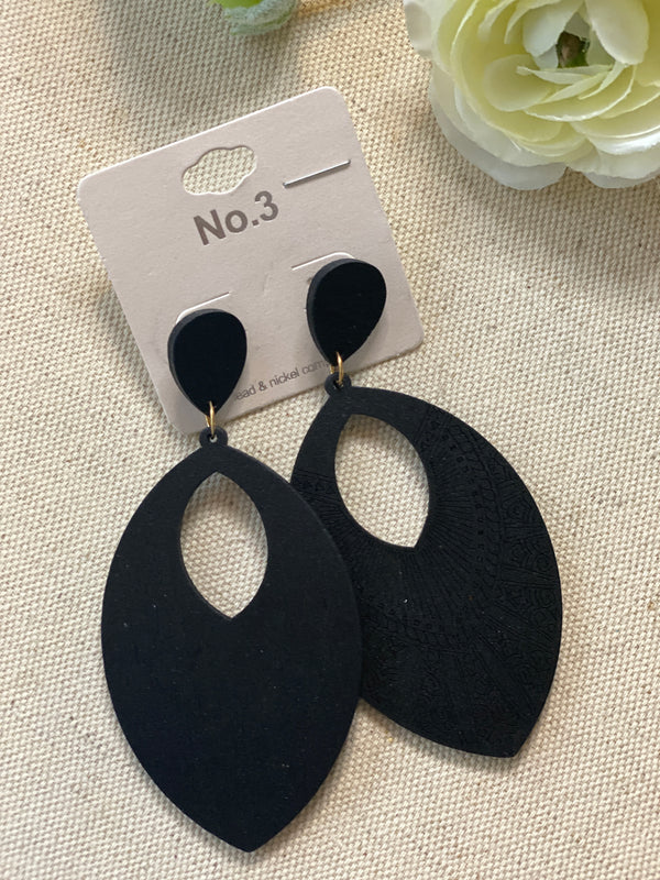 ITS ALL IN THE DETAILS BLACK EARRINGS, JEWERLY, JOIA, BAD HABIT BOUTIQUE
