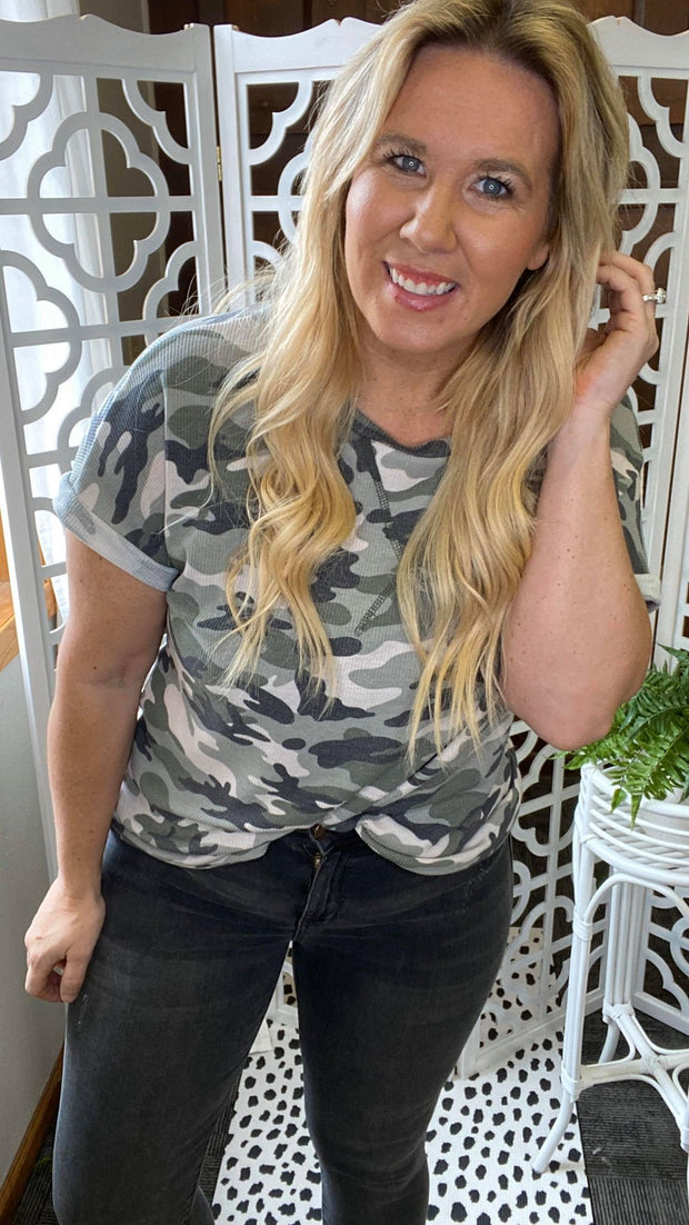 Camouflage cuffed short sleeve waffle top.