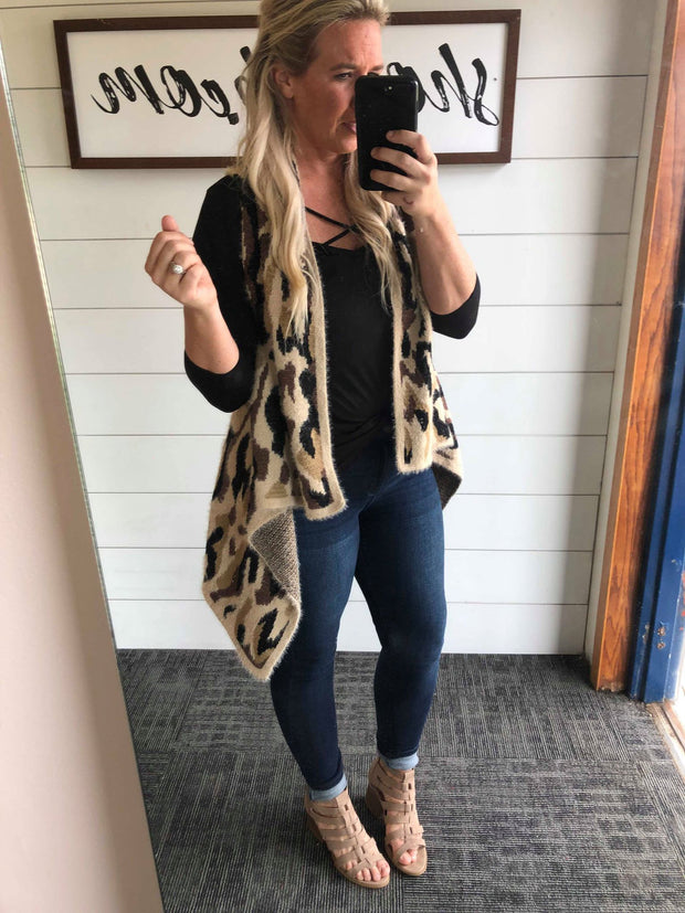 onesize fits all soft leopard vest