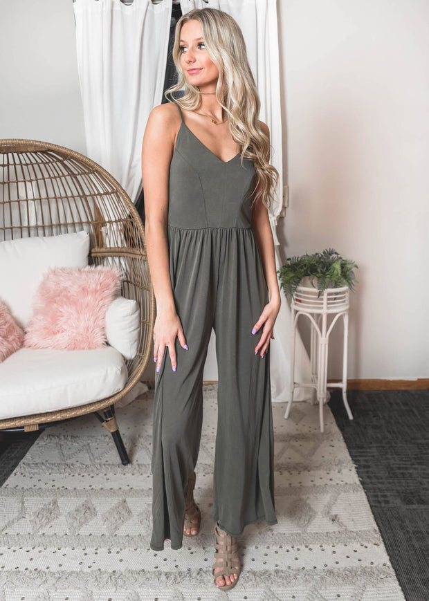 Olive Jumpsuit, jumpsuit, jumpsuits, andree by unit, olive jumpsuit, Spring styles, spring fashion, wedding outfits, wedding fashion, boho style, easter outfit, easter, graduation parties, graduation outfit
