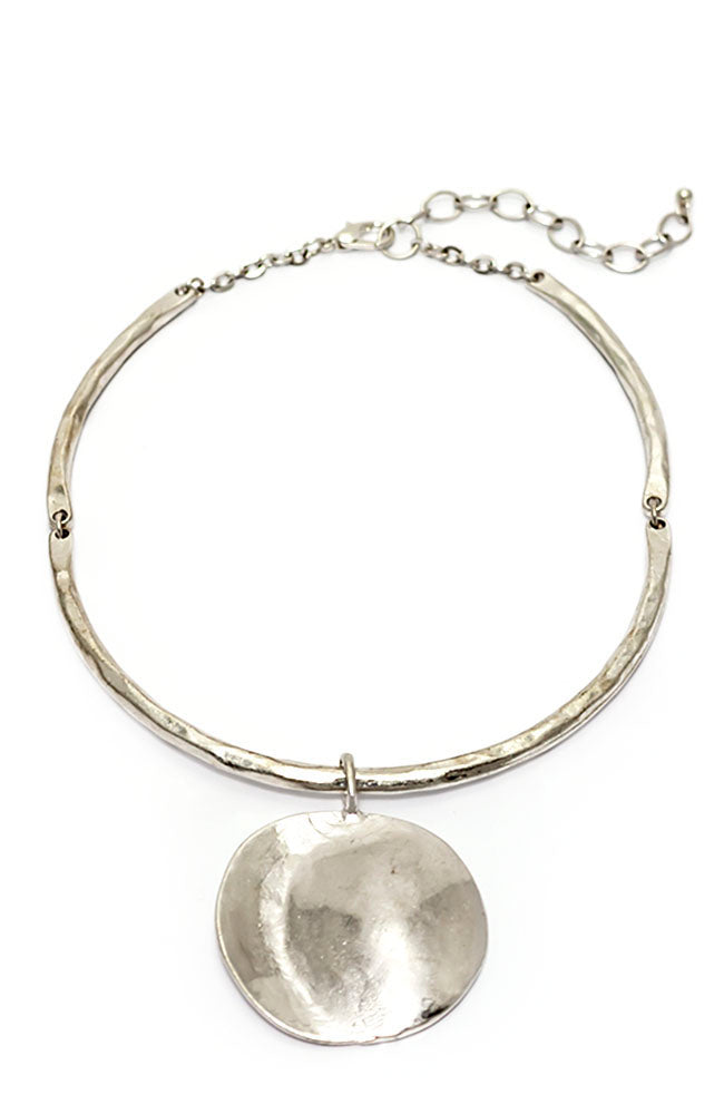 Silver Tone Collar With Round Disc Drop Necklace